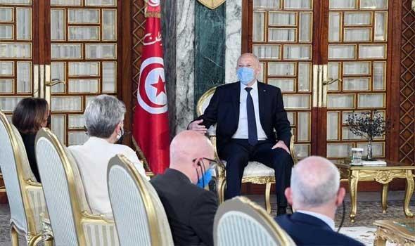 تونس اليوم - الرئيس قيس سعيد يصدر العفو عن تمتيع 1221 محكوماً بمناسبة عيد الجلاء